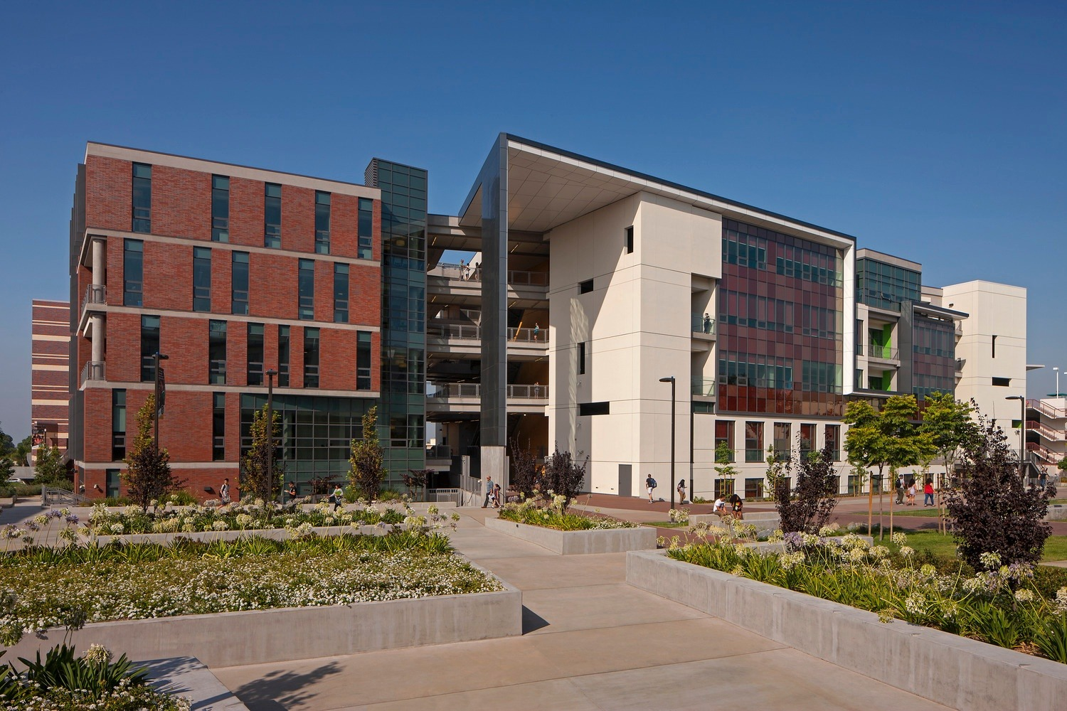East los angeles college wins two sustainable innovation for Los angeles innovation consultants