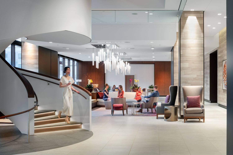 Hilton Rochester Mayo Clinic Area interior lobby 2