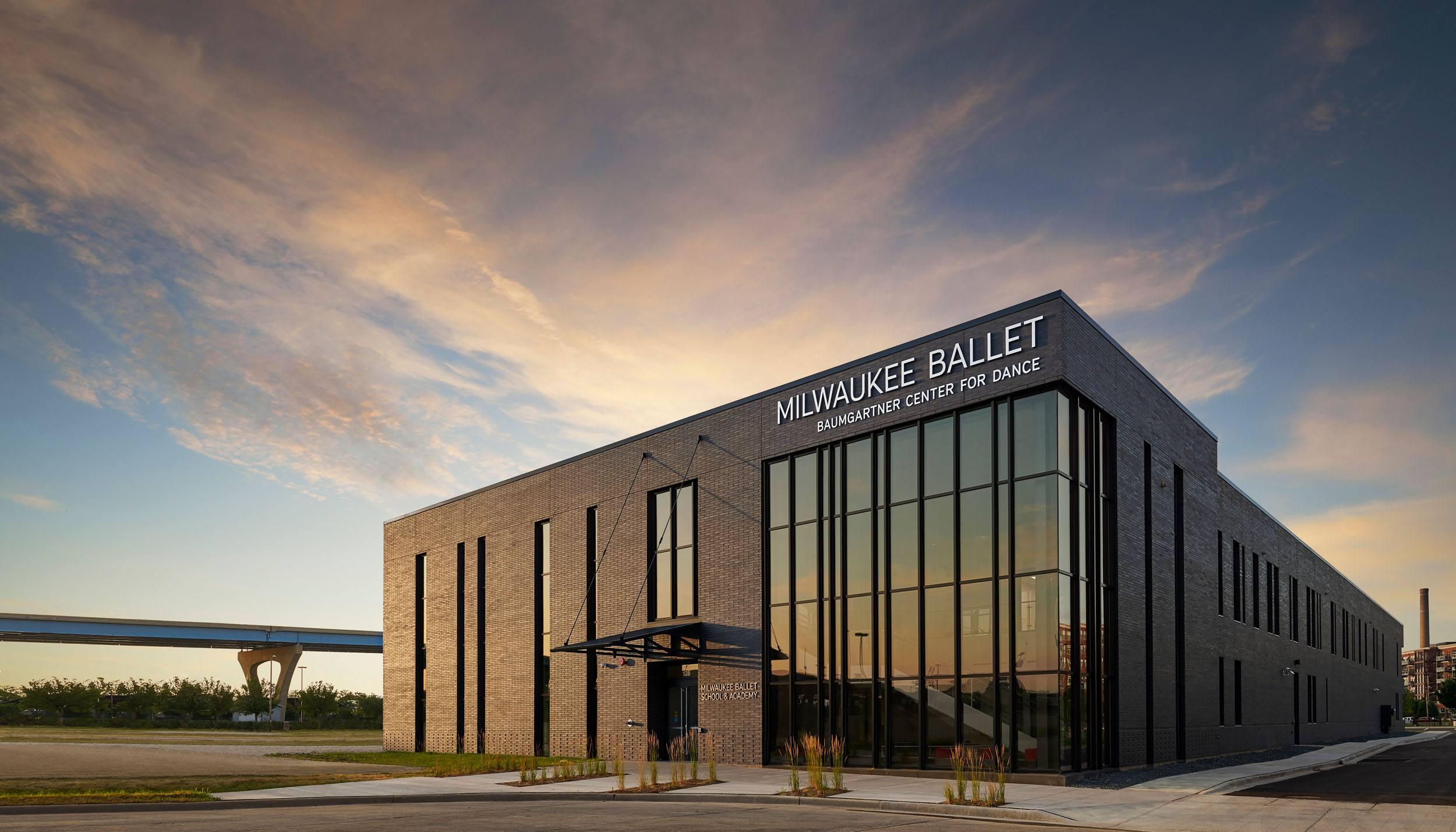 Milwaukee Ballet exterior 2